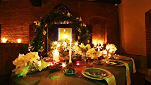 Bilder Neujahr Servieren Kerzen Tisch Teller Weinglas Lebensmittel