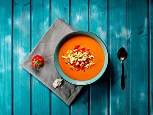 Bilder Suppe Tomate Bretter Teller Löffel das Essen