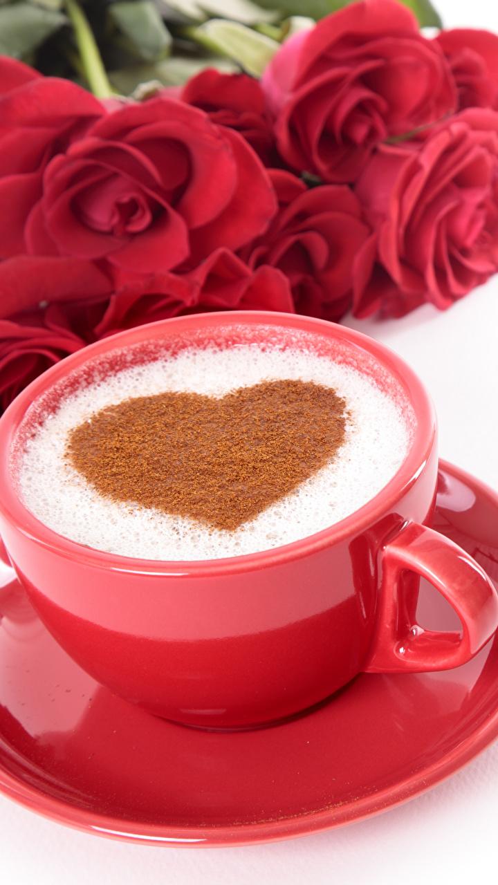 Fotos von Valentinstag Herz Rot Rosen Kaffee Tasse Untertasse Lebensmittel Weißer hintergrund 720x1280