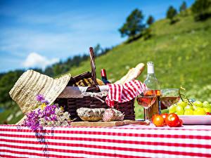 Hintergrundbilder Wein Weintraube Wurst Picknick Weidenkorb Der Hut Flasche Weinglas