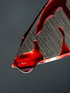 Bilder Messer Makrofotografie Nahaufnahme Blut Grauer Hintergrund