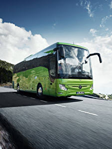 Fotos Mercedes-Benz Omnibus Fahren Hellgrüne 2017 Tourismo 15-2 RHD