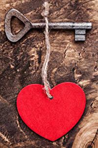 Papéis de parede Dia dos Namorados Tábuas de madeira Coração Chave