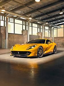 Hintergrundbilder Ferrari Gelb Superfast 812 by Novitec Autos