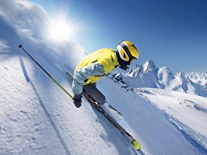 Fotos Winter Skisport Schnee Helm Fahren sportliches