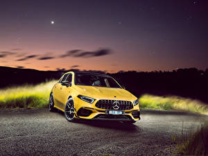 Hintergrundbilder Mercedes-Benz Gelb Metallisch 2020 AMG A 45 S 4MATIC Aerodynamic Package automobil