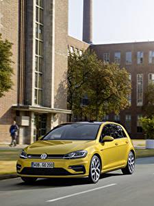 Hintergrundbilder Volkswagen Gelb Metallisch 2017 Golf TSI R-Line 5-door Worldwide (Typ 5G) Autos