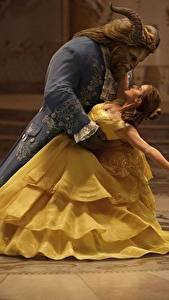 Fotos Die Schöne und das Biest 2017 Emma Watson Ungetüm 2 Tanz Kleid Dan Stevens Film Prominente Mädchens
