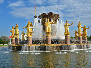 Fotos Russland Moskau Park Skulpturen Springbrunnen Fountain Friendship of peoples Städte
