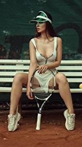 Hintergrundbilder Tennis Bank (Möbel) Bein Schöne Sitzt Model Junge frau Kristina Fedorova Vadim Aksyonov sportliches Sport