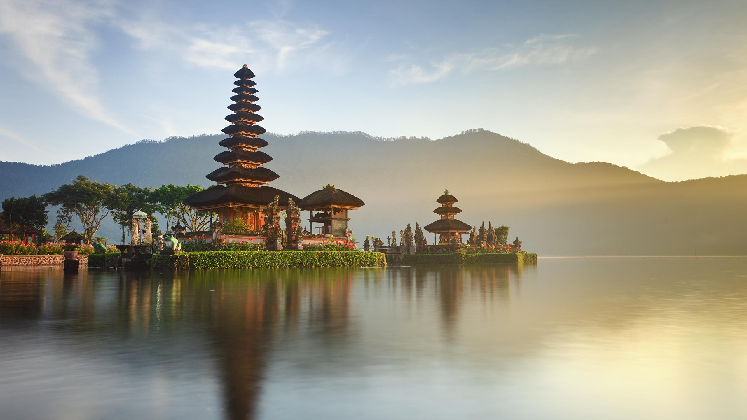 Wallpaper Indonesia Ulun Danu Beratan Temple Bali Bay 2560x1440