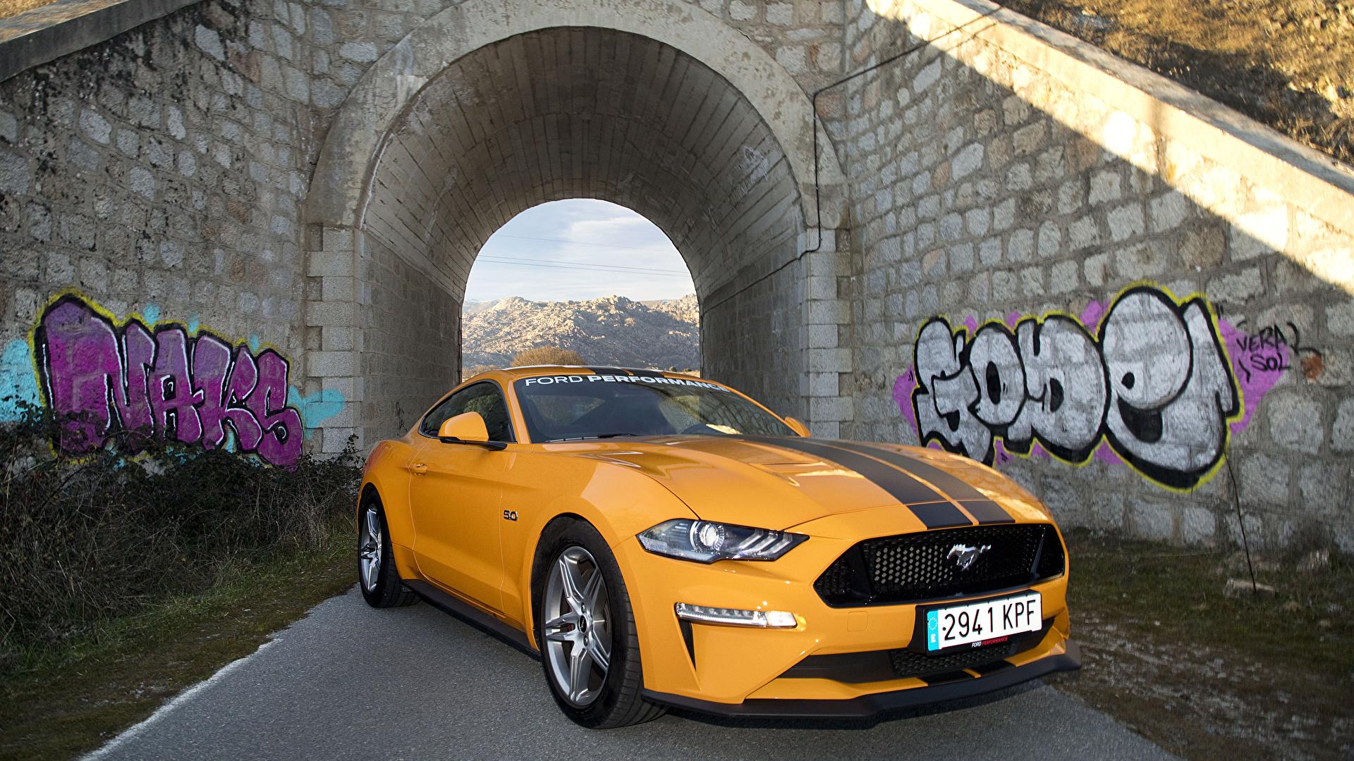 Hintergrundbilder Ford 2018-19 Mustang GT Fastback Performance Parts Gelb Autos Metallisch 1920x1080