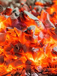 Bilder Großansicht Makro Funkenfeuer Schwelende Kohlen