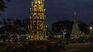 Hintergrundbilder USA Neujahr Texas Nacht Tannenbaum Lichterkette Straßenlaterne Fredericksburg Städte
