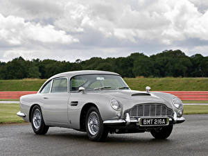 Fotos Aston Martin Grau Metallisch DB5 Goldfinger Continuation Autos