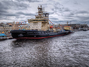 Wallpapers Russia St. Petersburg Rivers Pier Ships Cities