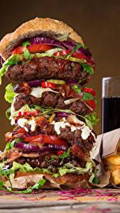 Fotos Fast food Hamburger Fritten Getränke Trinkglas Lebensmittel