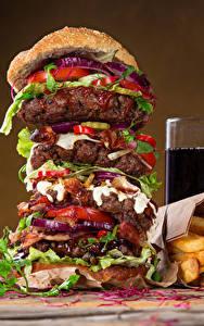 Fotos Fast food Hamburger Fritten Getränke Trinkglas