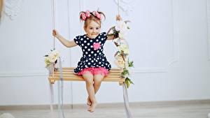Fonds d'écran Balançoire Petites filles Les robes Enfants