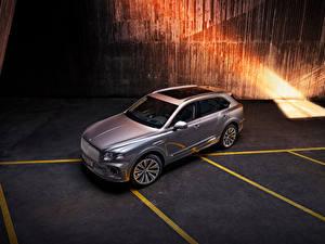 Desktop hintergrundbilder Bentley Softroader Silber Farbe Metallisch Von oben Bentayga V8, Worldwide, 2020 auto