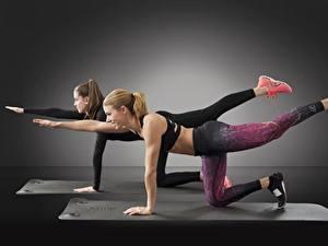 Hintergrundbilder Fitness 2 Braune Haare Bein Trainieren Sport Mädchens