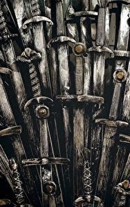 Papel de Parede Desktop Game of Thrones De perto Espadas Trono Filme