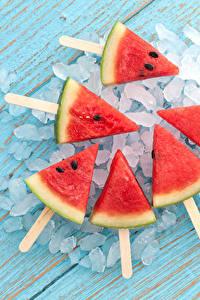 Fotos Wassermelonen Stück Eis Lebensmittel