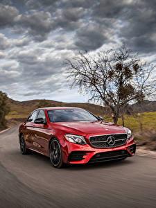 Bilder Mercedes-Benz Rot Metallisch Fahren 2017 AMG E 43 4MATIC automobil
