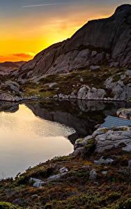 Bilder Norwegen Sonnenaufgänge und Sonnenuntergänge Abend See Steine Felsen Bjerkreim Rogaland Natur