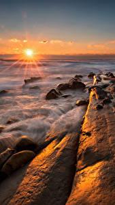 Hintergrundbilder Bulgarien Landschaftsfotografie Sonnenaufgänge und Sonnenuntergänge Meer Küste Steine Lichtstrahl Tulenovo
