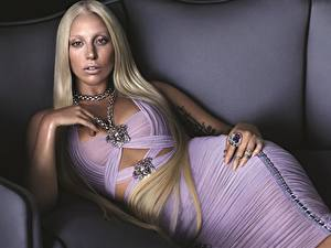Fonds d'écran Lady GaGa Blondeur Fille Glamour Les robes Célébrités Filles