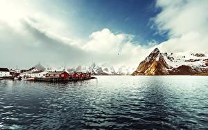 Hintergrundbilder Norwegen Lofoten Gebirge Haus Schiffsanleger Bucht Reine Natur
