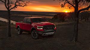 Fotos Dodge Pick-up Rot 2019 Ram 1500 Rebel Quad Cab Autos