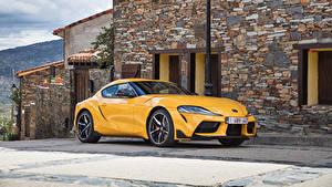 Pictures Toyota Yellow Metallic 2019-20 GR Supra Worldwide Cars