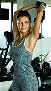 Fotos Fitness Hand Posiert sportliches Mädchens