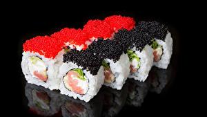 Fotos Sushi Rogen Meeresfrüchte Schwarzer Hintergrund