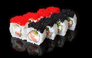 Fotos Sushi Rogen Meeresfrüchte Schwarzer Hintergrund das Essen