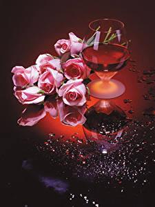 Bilder Stillleben Wein Rosen Weinglas Rosa Farbe Blüte Lebensmittel