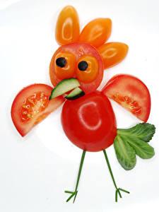 Hintergrundbilder Kreativ Hahn Tomaten Weißer hintergrund Blattwerk das Essen