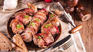 Bilder Fleischwaren Brot Messer Teller Geschnitten Gabel Lebensmittel