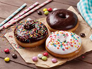 Fotos Backware Donut Schokolade Zuckerguss Drei 3