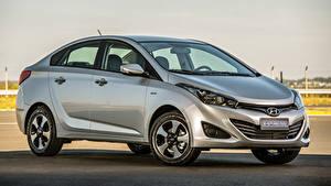 Fotos Hyundai Silber Farbe Metallisch Seitlich HB20S Impress, 2015 Autos