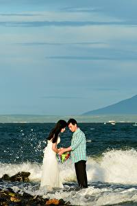 Bilder Küste Steine Wasserwelle Mann Asiatische 2 Braut Bräutigam Ehe Mädchens