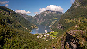 Hintergrundbilder Norwegen Gebirge Seebrücke Haus Bucht Geirangerfjord Natur