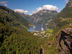 Hintergrundbilder Norwegen Gebirge Seebrücke Haus Bucht Geirangerfjord