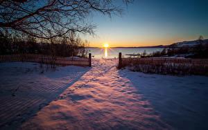 Hintergrundbilder Norwegen Sonnenaufgänge und Sonnenuntergänge Winter Schnee Zaun Sonne Ast Sulitjelma Natur