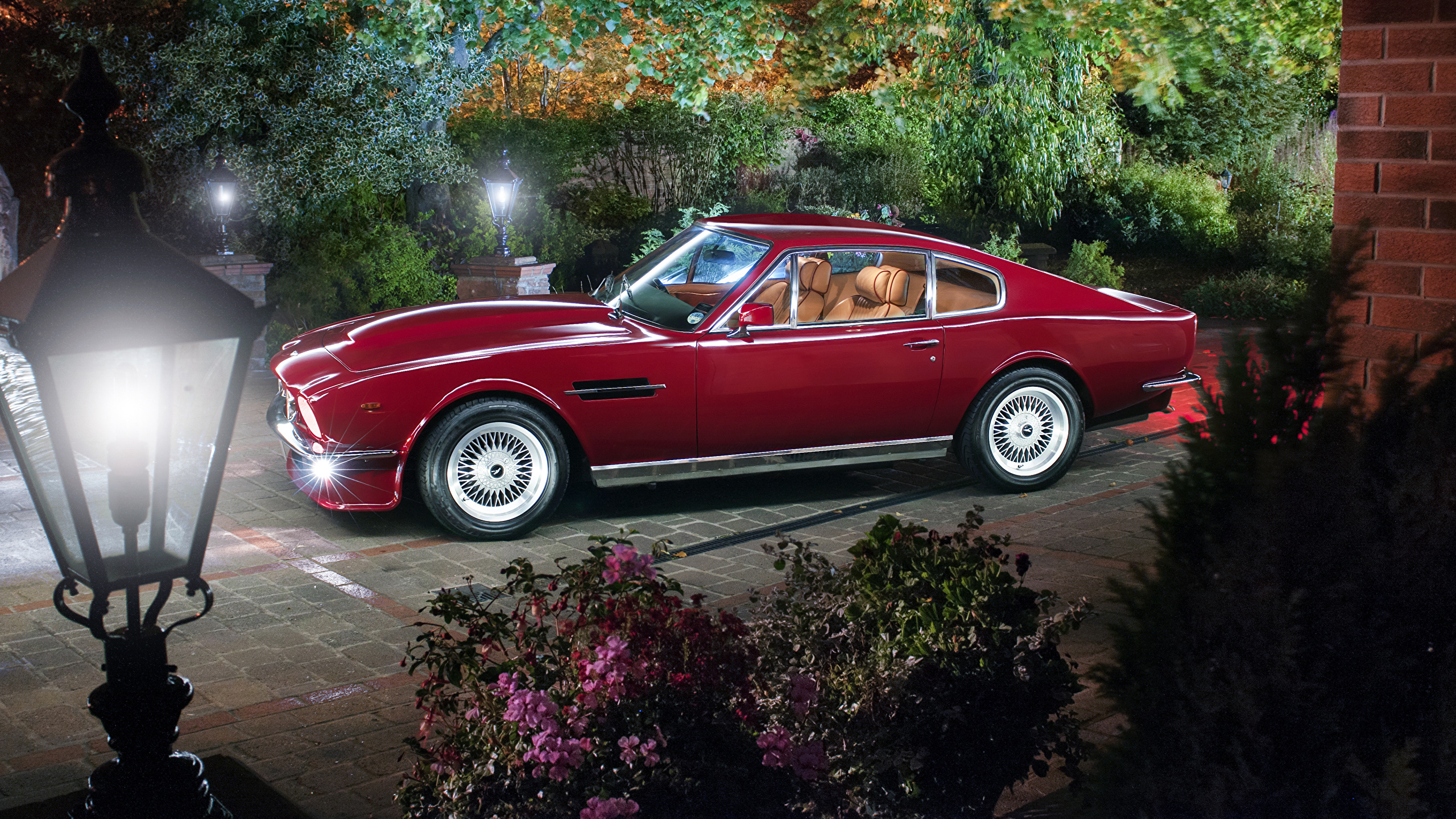 Photos Aston Martin 1977 89 V8 Vantage Red Retro Cars 2560x1440