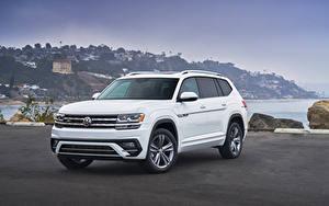 Bakgrundsbilder på skrivbordet Volkswagen Crossover Vit Metallisk Atlas V6 4MOTION R-Line, 2017 automobil