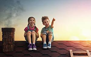 Hintergrundbilder Abend Dach Zwei Junge Kleine Mädchen Lächeln Sitzend Kinder