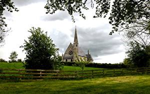 Hintergrundbilder Irland Kirche Gras Zaun Ast Ballyclog Städte